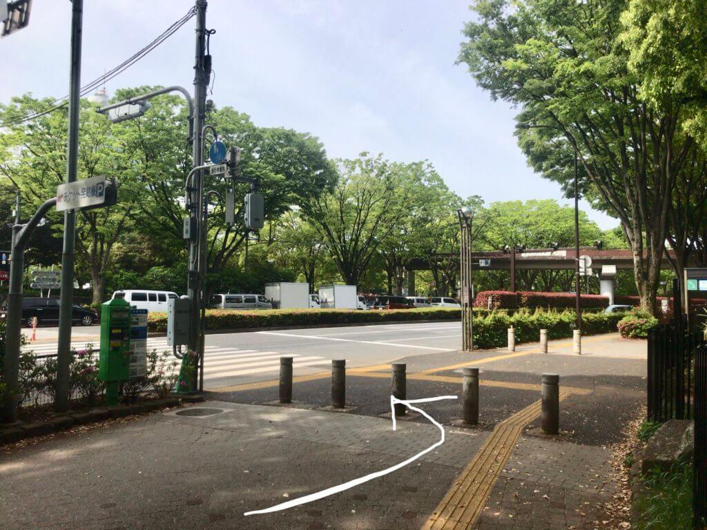 原宿駅から代々木公園イベント広場へphoto by yoyogipark-event.com